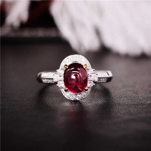 18K金镶天然红宝石戒指.jpg