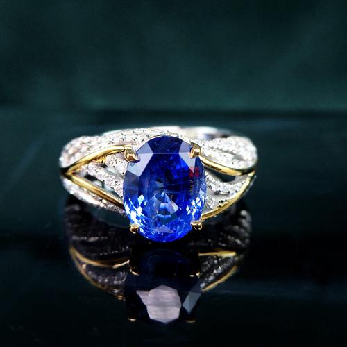 18K金镶蓝宝石戒指.jpg