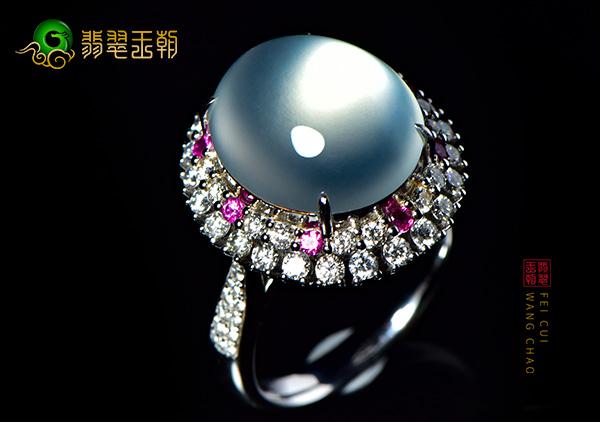 缅甸木那原石毛料:冰种荷花翡翠戒指纯洁色细腻圆润饱满