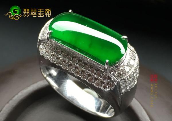 缅甸后江原石毛料:冰种果绿色翡翠马鞍戒指色浓细腻青翠