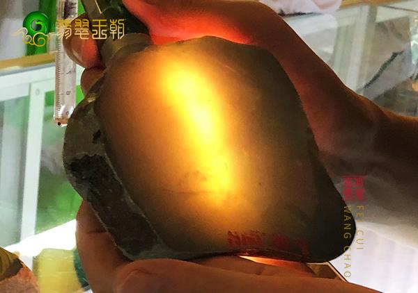 原石直播:大马坎场口原石料黄加绿肉质细腻色彩饱满鲜艳