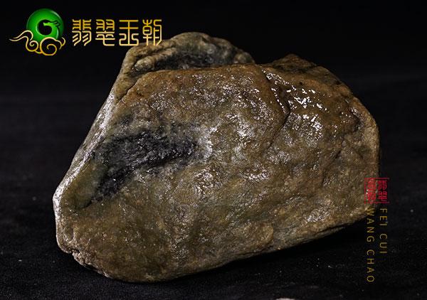 缅甸翡翠赌石:老会卡场口原石色料皮壳打灯阳绿色特征点