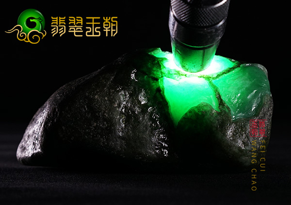 缅甸莫西沙场口原石翡翠黑乌纱皮壳晴水绿底高冰种水料