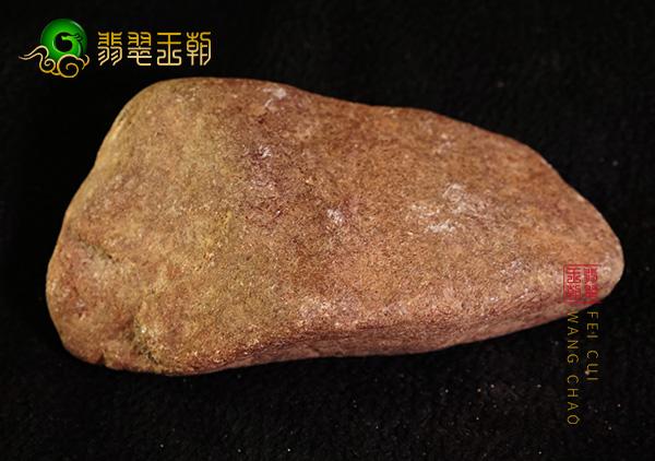 皮壳表现:南齐原石白冰挂件料皮壳打灯通透细腻紧致表现