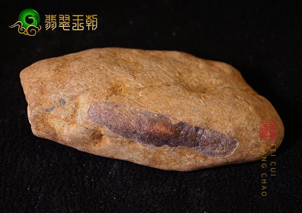 皮壳表现:南齐场口飘绿花料子皮壳打灯细腻肉质通透表现