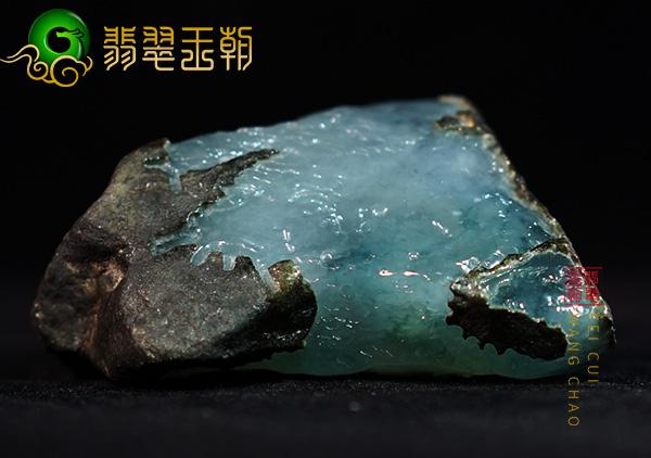 原石直播讲解会卡场口铁锈皮白肉原石种水料子皮壳表现