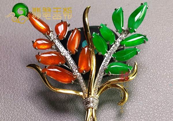 缅甸格应角翡翠原石场口翡翠树形胸针打灯多色特征
