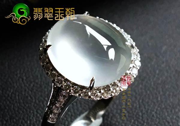 缅甸格应角翡翠原石场口高冰翡翠毛料戒指打灯起光