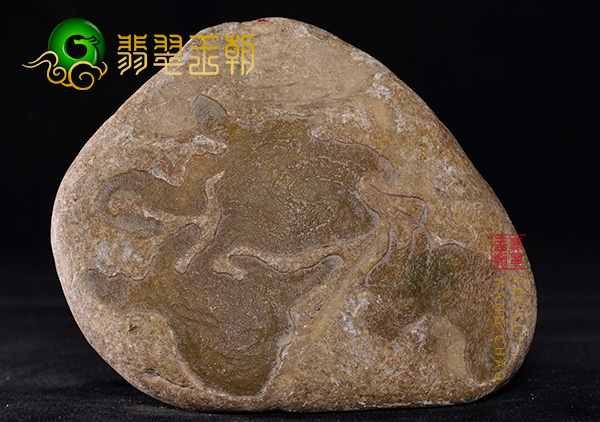 皮壳表现:缅甸大马砍场口水石料子皮壳光滑打灯通透表现