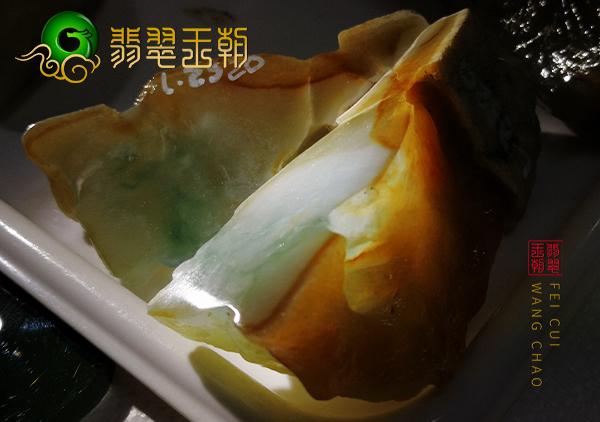 翡翠原石料子:缅甸大马坎场口原石手镯料种好肉细肉质均匀飘小花