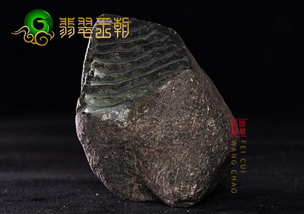 翡翠原石鉴赏:缅甸莫西沙场口大象皮翡翠原石鉴赏料皮壳起油种老