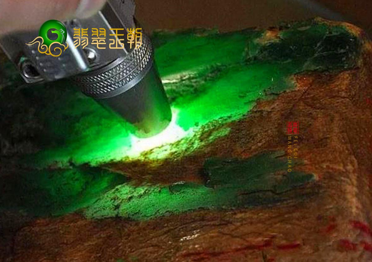 缅甸翡翠源头直播讲解莫西沙场口翡翠原石玉石毛料皮壳特征之蟒带