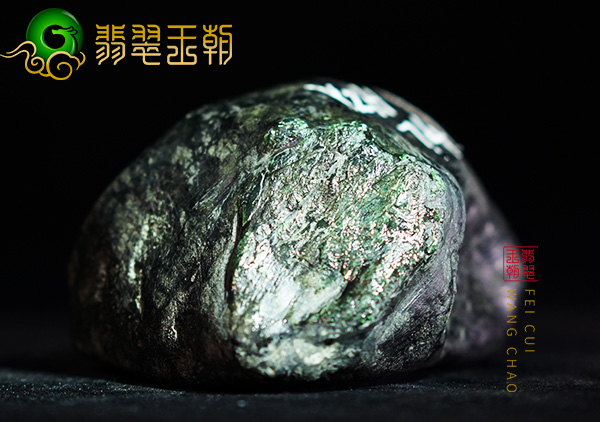 缅甸翡翠源头直播讲解百三桥场口翡翠原石皮质紧致有藓下生色表现