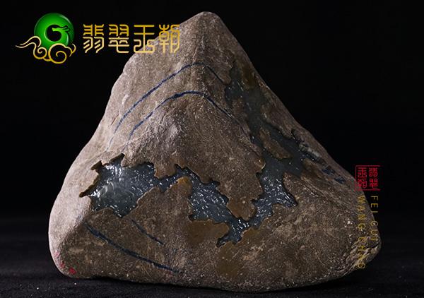 翡翠王朝原石:缅甸莫湾基场口翡翠原石色料打灯种老有色有手镯位