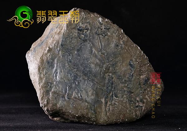 翡翠王朝原石:缅甸莫西沙场口翡翠原石种水料有大牌子位赌高种水