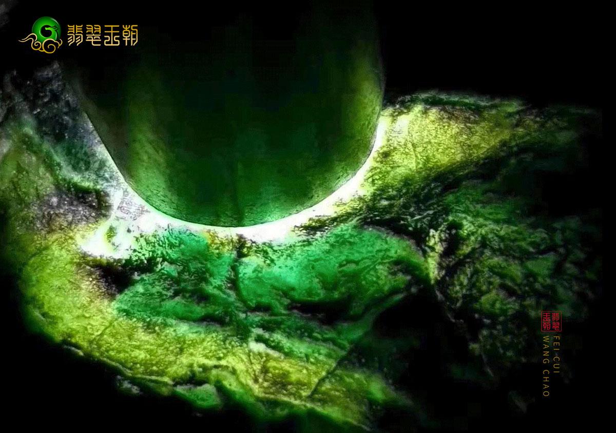 缅甸莫湾基场口黑乌砂翡翠原石皮壳特征表现
