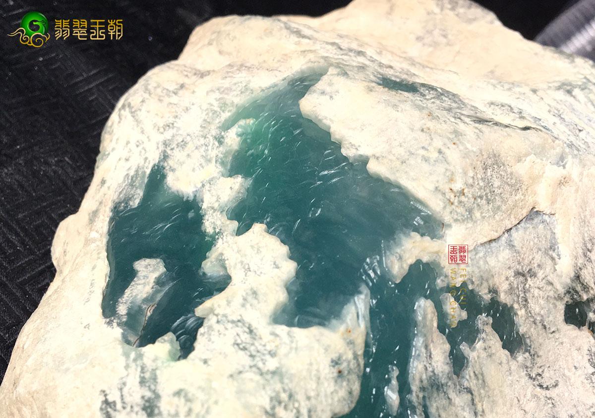 缅甸莫西沙白岩沙脱沙老象皮翡翠原石特点