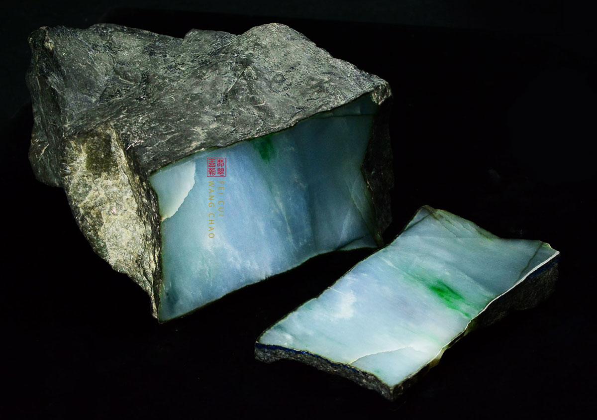 缅甸帕敢场口翡翠原石皮壳打灯特征表现