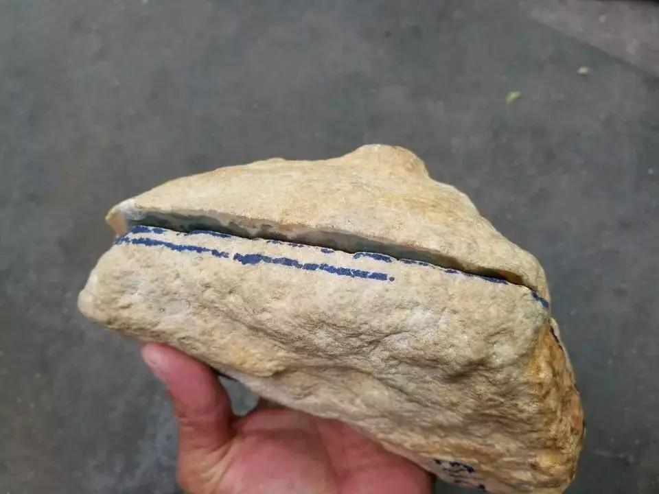 缅甸翡翠原石木那场口料子黄岩沙皮壳特征表现赌石要点