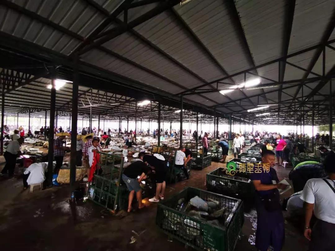 中缅边境_缅甸翡翠原石产地,95%的翡翠原石产地曾属中国