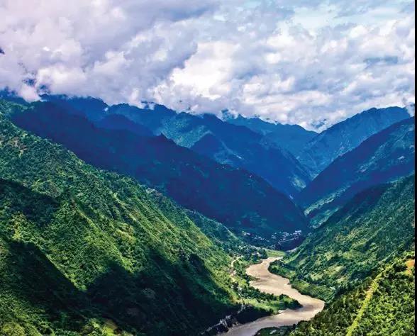 中缅边境_中缅边境一个只有百户人家不起眼的小镇—莫代