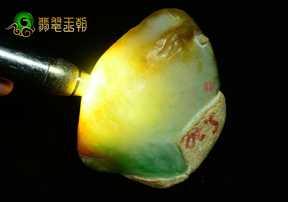 木那达摩坎缅甸翡翠原石毛料皮壳有什么区别