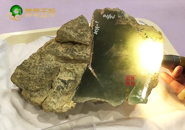 翡翠原石皮壳颜色-黑白灰黄红青蛙绿皮特点