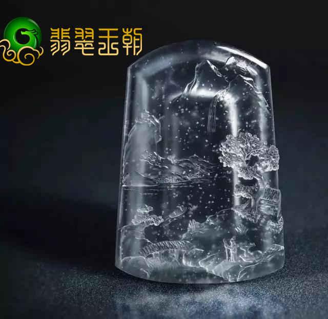 翡翠原石私人定制_雪花棉缅甸翡翠原石在玉雕师手上成了画
