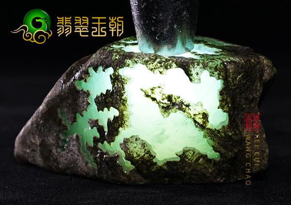 翡翠原石价格_清代老坑冰种翡翠原石多少钱?老坑翡翠原石价位鉴别