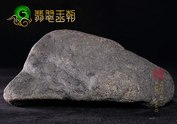 翡翠原石_缅甸翡翠原石毛料赌石风化壳皮壳种类及特点