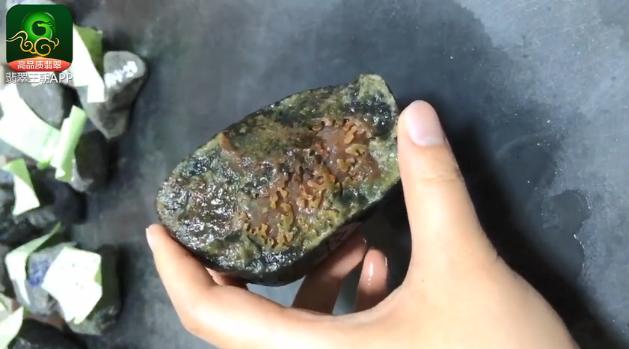 南奇场口怪庄料缅甸翡翠原石毛料赌石皮壳种质特点
