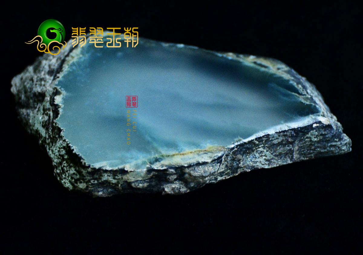 翡翠原石_冰种翡翠原石成品什么价位 冰种翡翠价格上涨原因揭秘