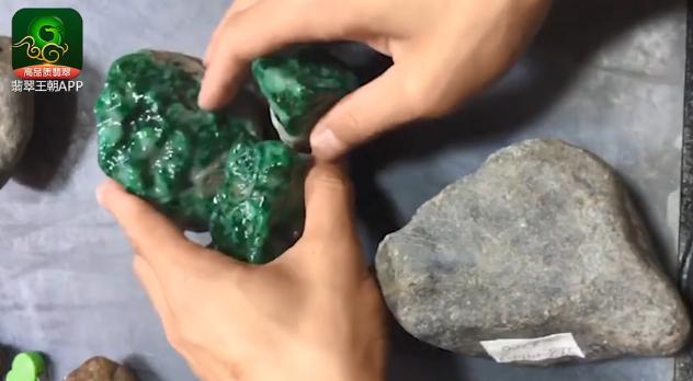 后江场口翡翠原石什么价位-3块2.2万的后江料子巧雕博涨10倍