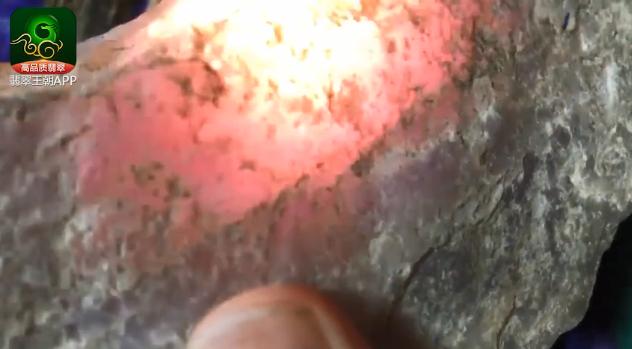 木那场口紫罗兰翡翠原石_木那场口粉春缅甸翡翠原石打灯皮特点表现
