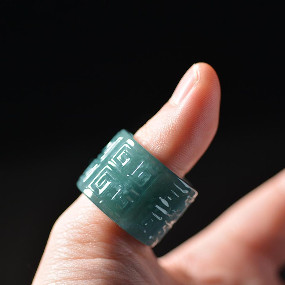 翡翠百科之翡翠戒指和指环 翡翠戒指和指环区别