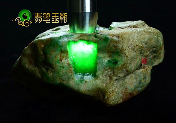 翡翠原石的高收藏价值必须要达到的5方面要求