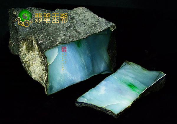 在翡翠原石皮壳上的结晶情况要怎么鉴别其好坏?