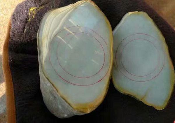 翡翠百科:翡翠手镯在还是翡翠原石的时候的制作过程