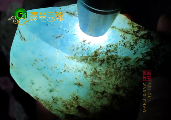莫莫亮翡翠原石场口的玉料如何以及有哪些特征?