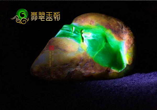 翡翠赌石攻略:翡翠赌石中比较容易赌涨的5类原石皮壳特征