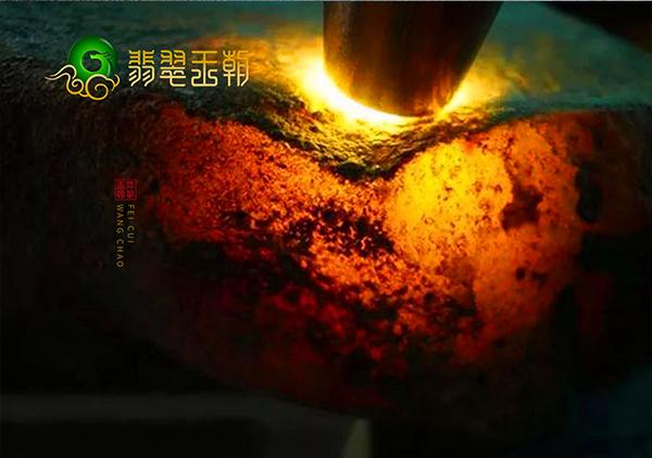 翡翠原石收藏:翡翠原石中的哪些颜色的玉石值得收藏?