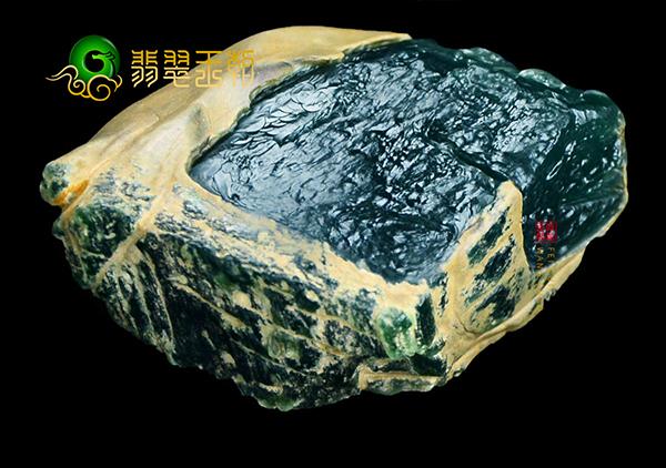 翡翠原石品质好坏鉴别的色匀形透四个标准