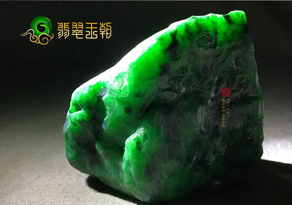 翡翠原石料子中的龙到处有水具体指的是什么?