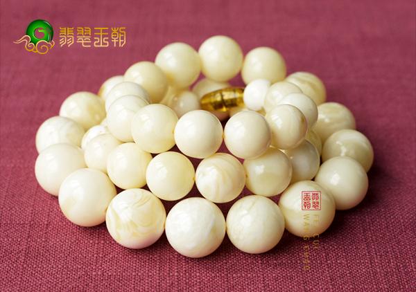 白蜜蜡圆珠手串价格行情——白蜜蜡多少钱一克?