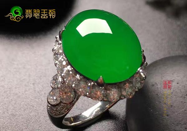 天然帝王绿满绿翡翠戒面替代品区分鉴别方法