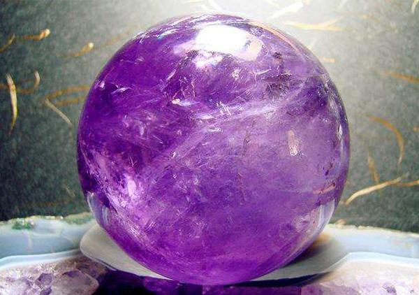 收藏级紫水晶风水宝石摆件价格多少钱
