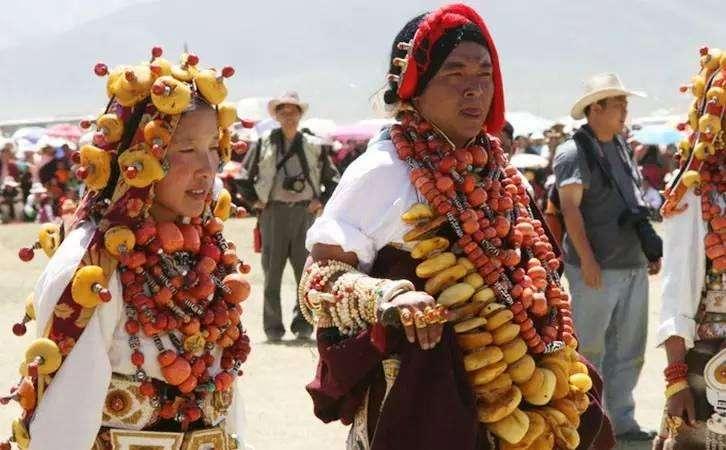 什么是西藏蜜蜡?对西藏蜜蜡的误区