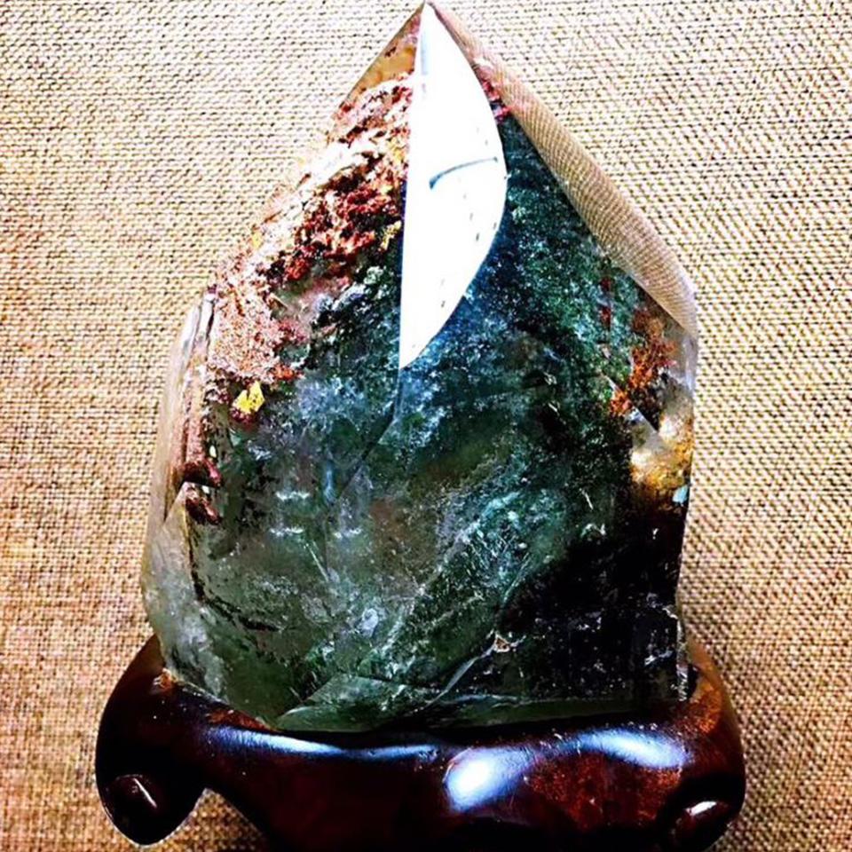 天然彩幽灵纯全包裹水晶原石招财摆件