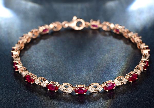 红宝石手链佩戴根据体型来挑选以及选购注意事项