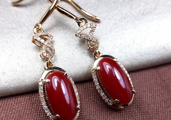 红珊瑚耳饰的4点挑选技巧,珊瑚耳饰市场克重价格